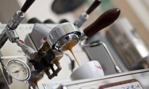 Naked portafilter espresso shot