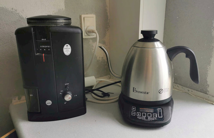 brewista kettle on counter