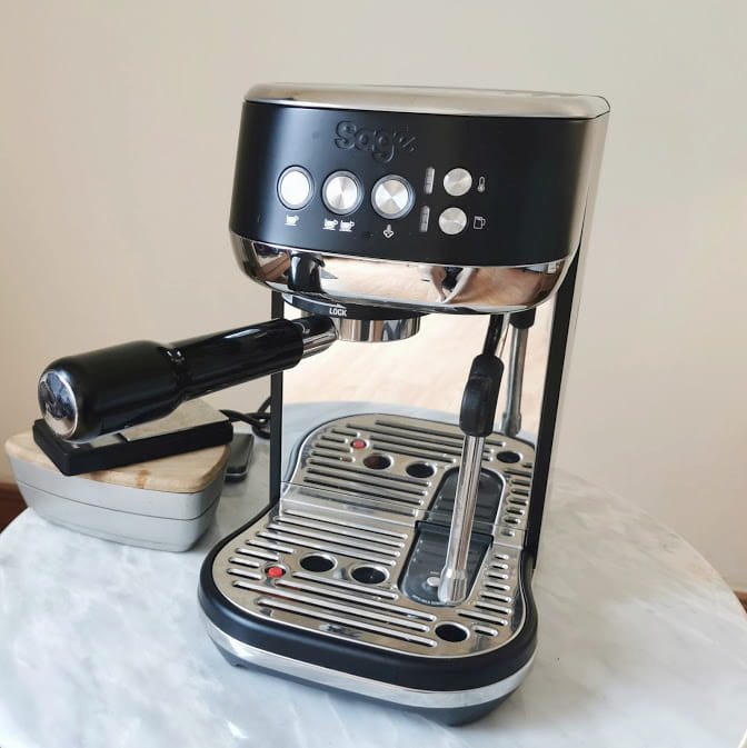 breville bambino plus on table